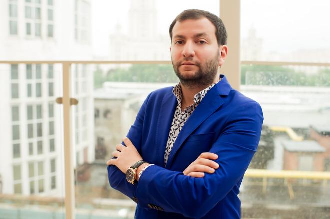 Илья Эстеров